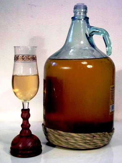 1.1 African palm and banana wine 4